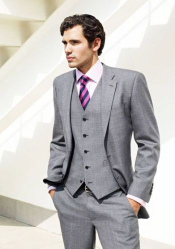 Proper job interview outfit for men